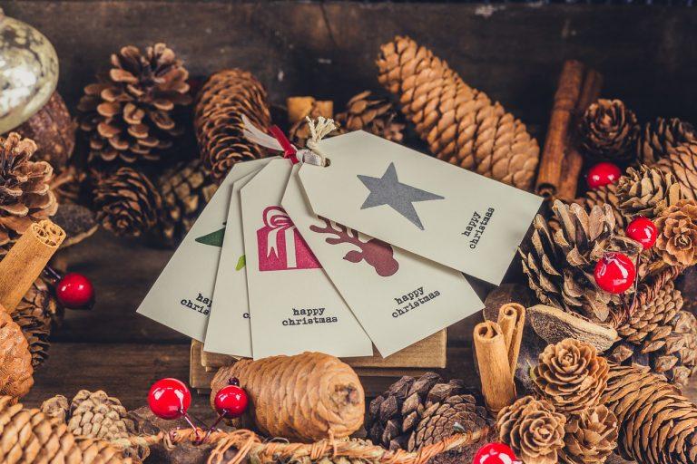 etiquettes-cadeau-bois
